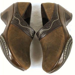 White Mountain Shoes - White Mountain Slip On Brown Suede Leather Trim